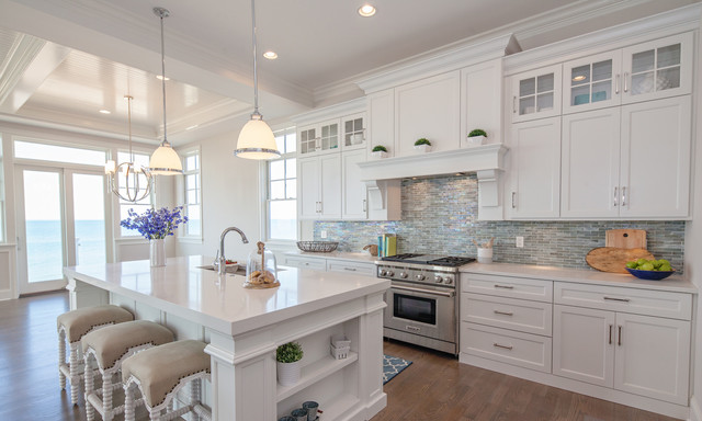 Brakur_white_kitchen_cabinets.png