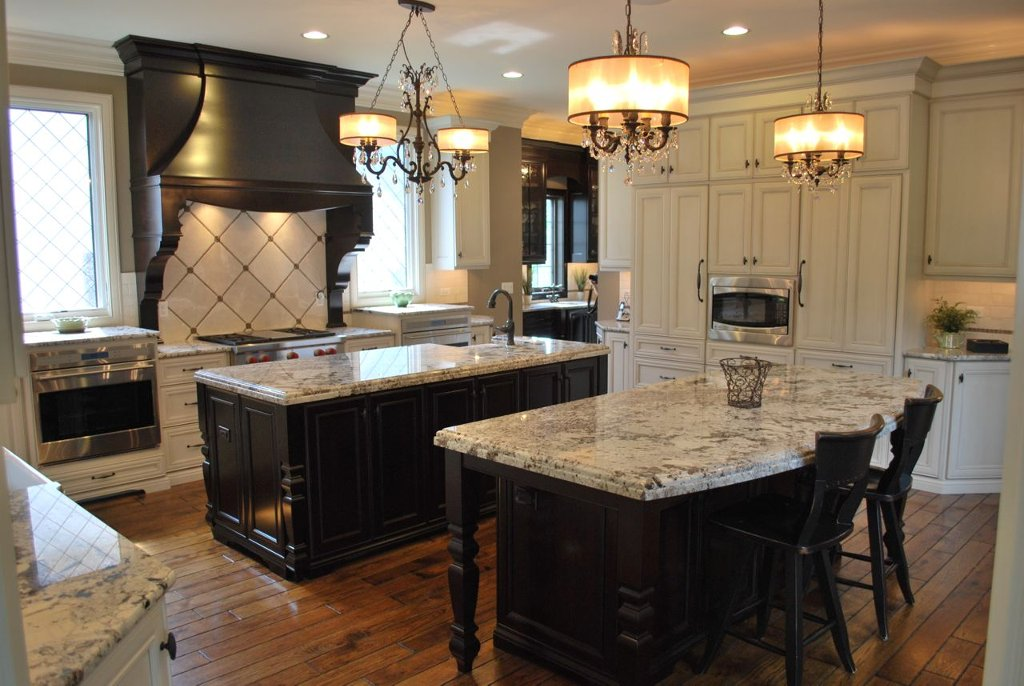 brakur_kitchen_island_lights.jpg