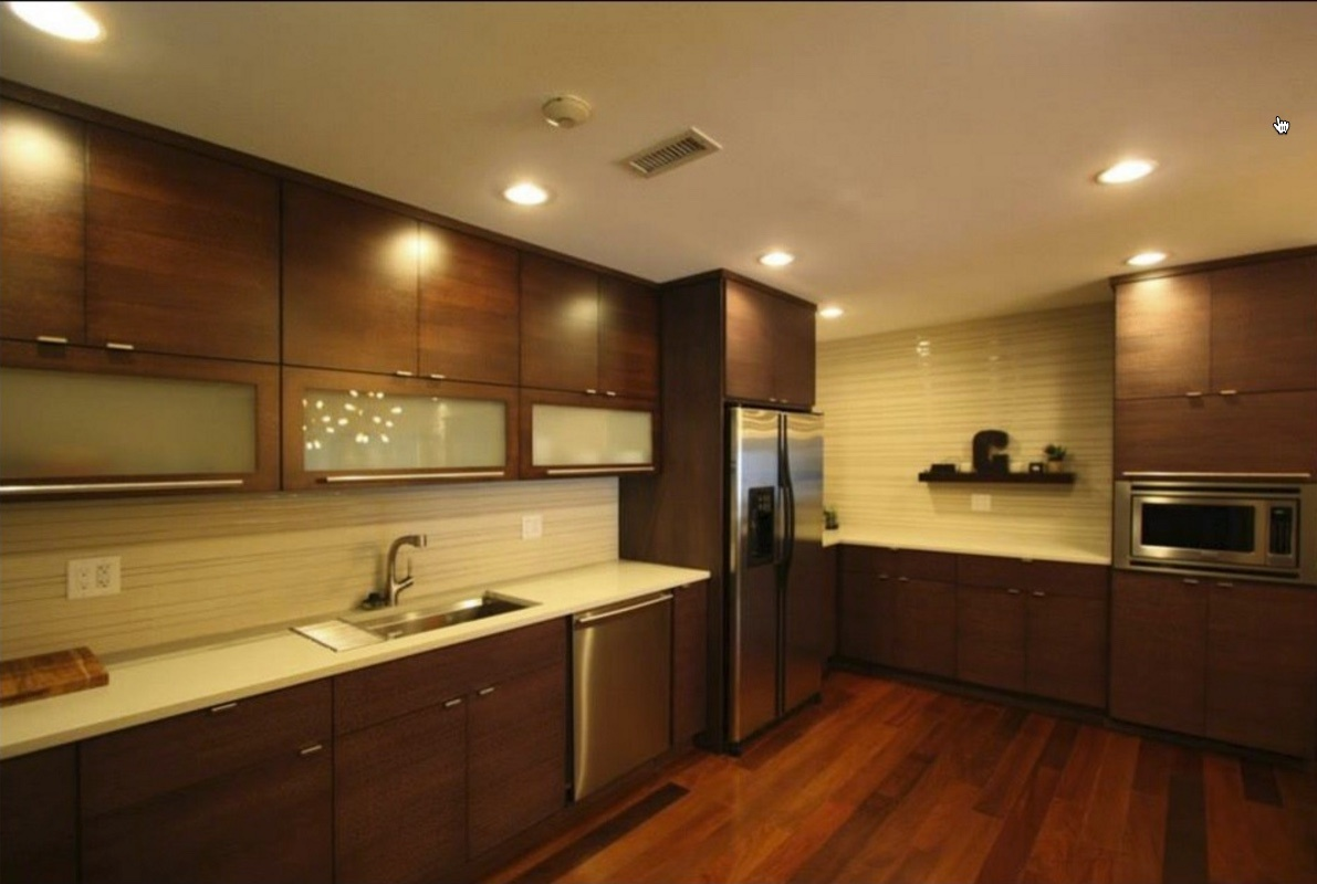 brakur_warm_contemporary_kitchens.jpg